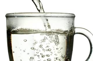 Manfaat Minum Air Hangat Setiap Hari