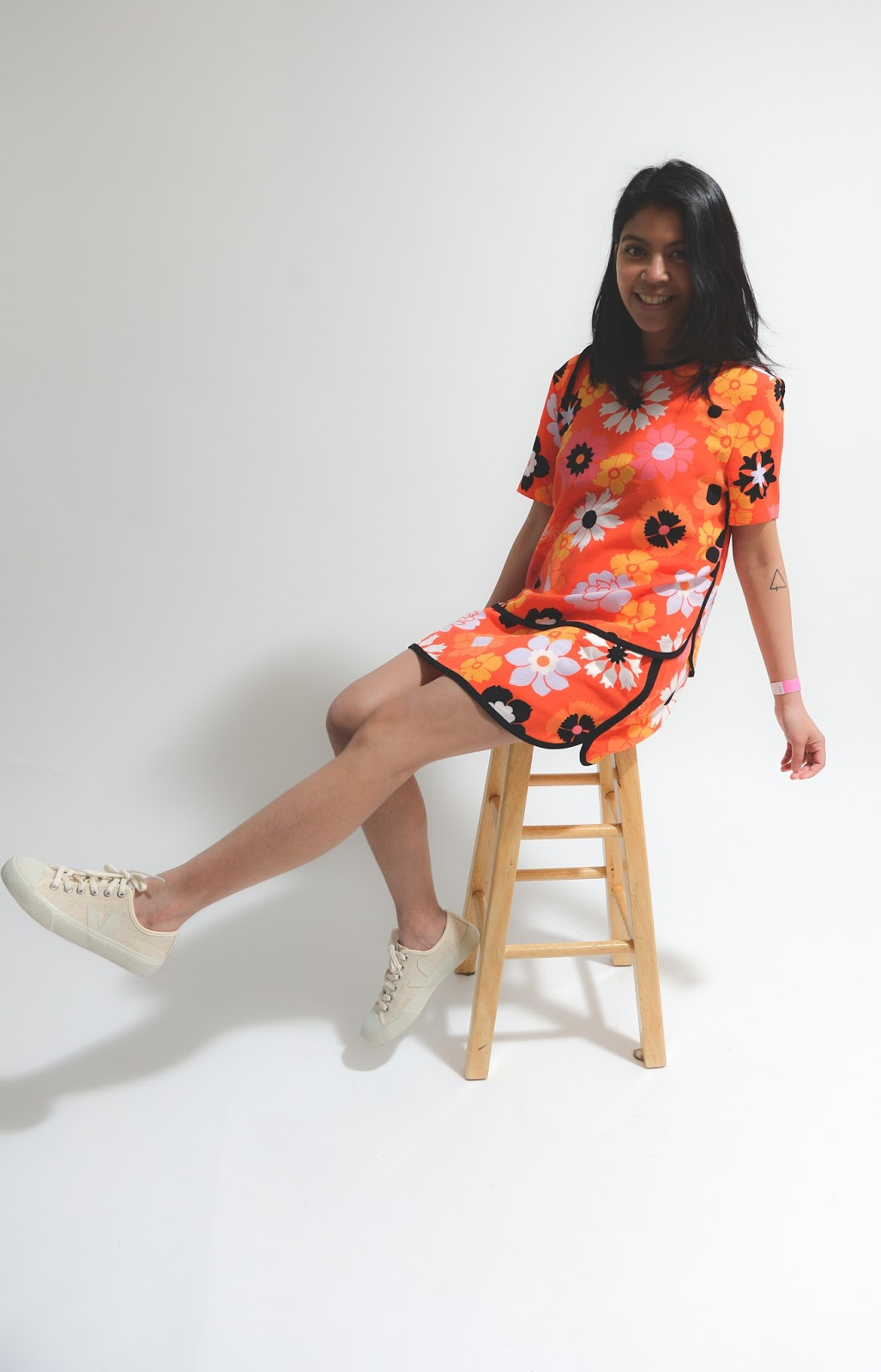 victoria beckham, target collaboration, portland blogger, flower print, vbxtarget, style blogger, neutral sneaker, target style, pdx style blogger, summer style, skirt, shirt, tee, blouse