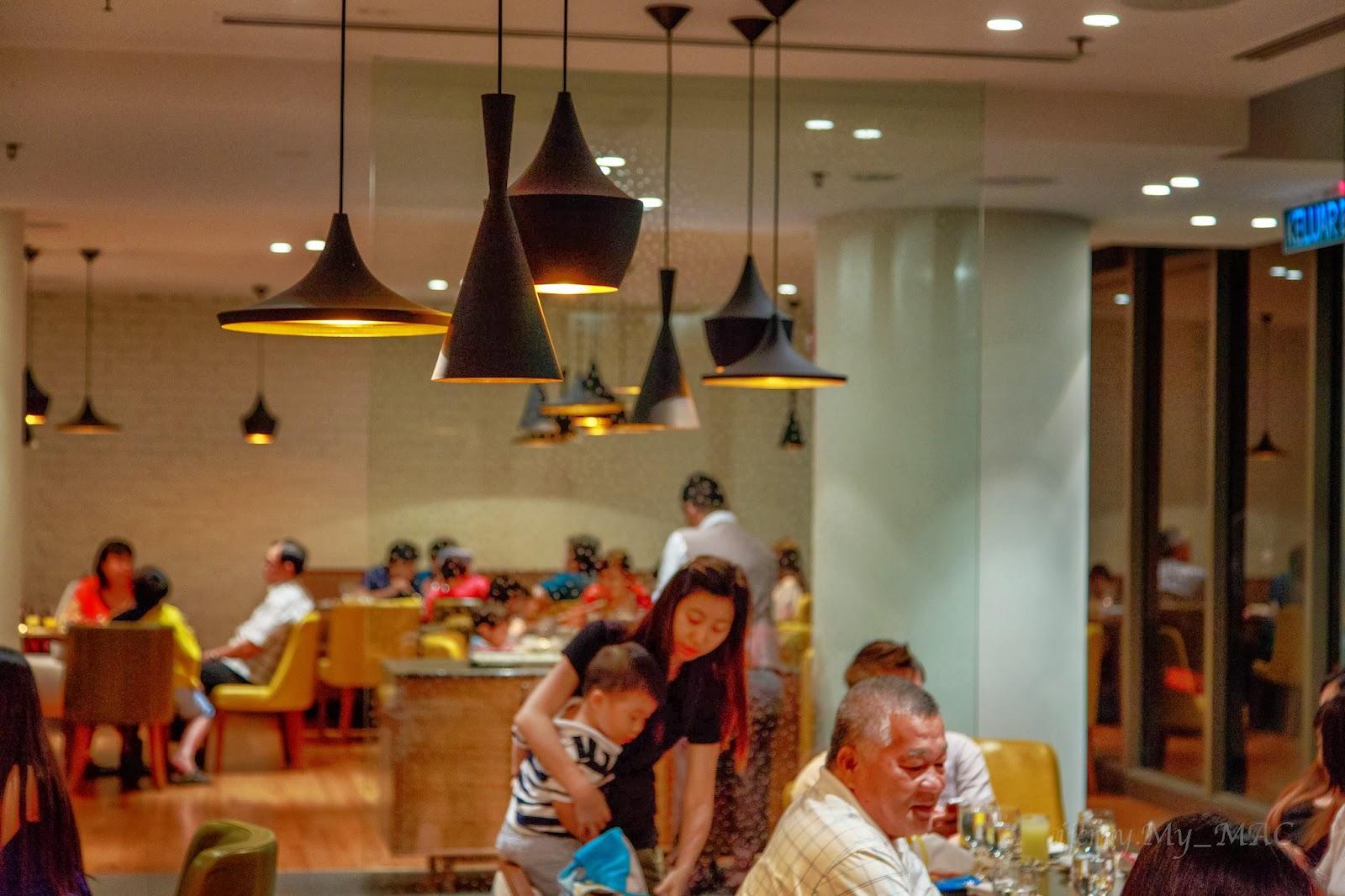 White Kitchen Buffet Remodeling Houston 倡所欲言 柔佛 新山万丽酒店自助餐 Renaissance Johor Bahru Hotel 这5星级的酒店最大买点之一就是cafe Bld 的自助餐 餐厅以经营奢华的自助餐为主 开放式厨房为食客们提供地道的本地风味美食 冷盘 有机沙拉 寿司以及新鲜海鲜等众多