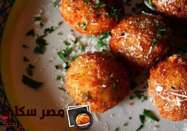 كرات الأرز بالموتزريلا بالطريقة المصرية