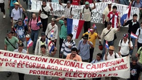 Campesinos paraguayos marchan en reclamo de reivindicaciones