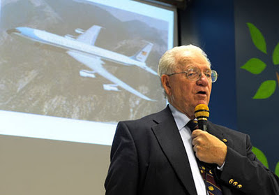 Retired Air Force One steward presents at Vincentian de Marillac