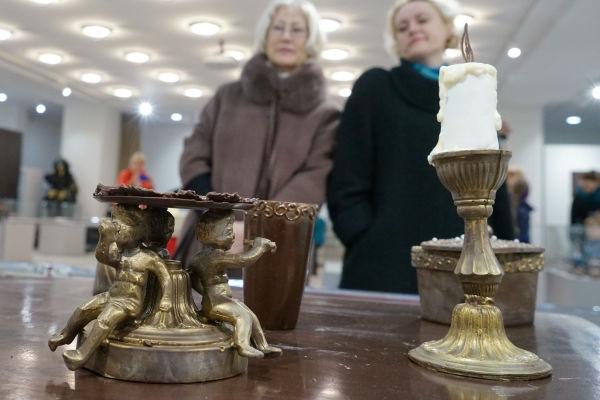 Старинные светильники и лампады представят на выставке в Хотькове