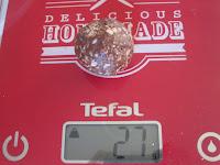 poids d'une boule d'Ovomaltine crunchy et flocons d'avoine pour la réalisation dessucettes(Battle Food #64)