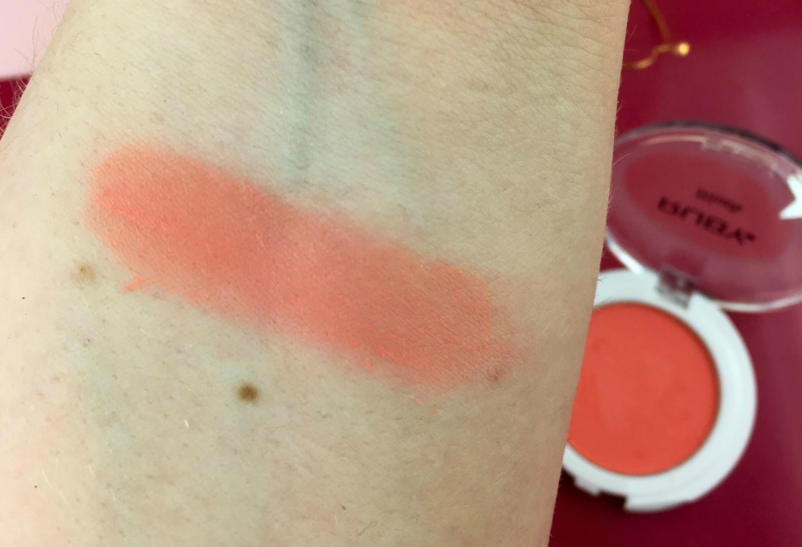 Ruby Powder Blush in Coral swatch