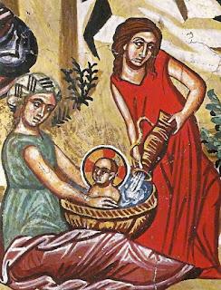 Στην απεικόνιση του Λουτρού αξίζει να σημειωθεί η κίνηση της βοηθού με το αμάνικο ρούχο, η οποία ρίχνει με χάρη το νερό στη λεκάνη.