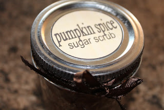 Homemade Christmas Gift: Pumpkin Pie Spice Sugar Scrub