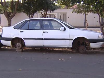 Guarda Civil Municipal de Araçatuba identifica em um dia 27 carros abandonados em Araçatuba