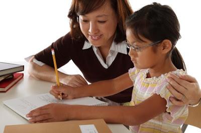 Mengajarkan Anak Menulis