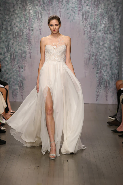 Vestido de novia de Monique Lhuiller para 2016 - Foto: Don Ashby