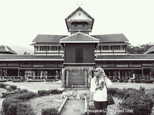 Istana Lama Seri Menanti lebih 100 Tahun