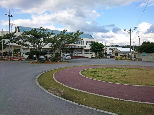 久志区体育館の写真