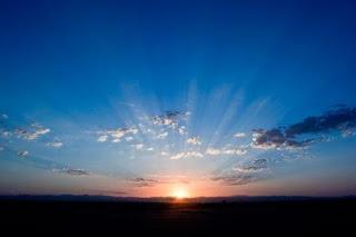 Puisi Cinta Matahari Di Pagi Hari Karya Tri Yoga Saputra