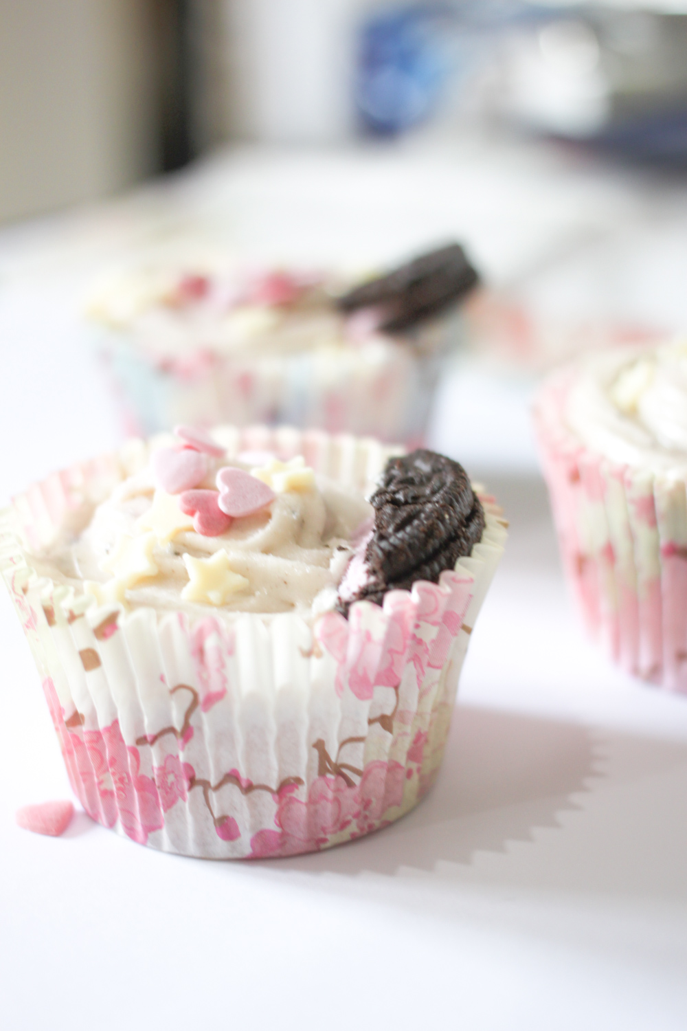 Strawberry Cheesecake Oreo Cupcakes Recipe | www.hannahemilylane.com
