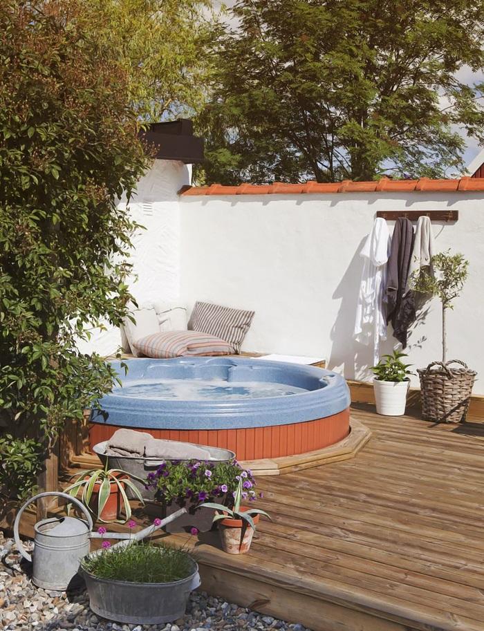 Decoraci n f cil inspiracion para decorar un patio for Piscinas pequenas con encanto