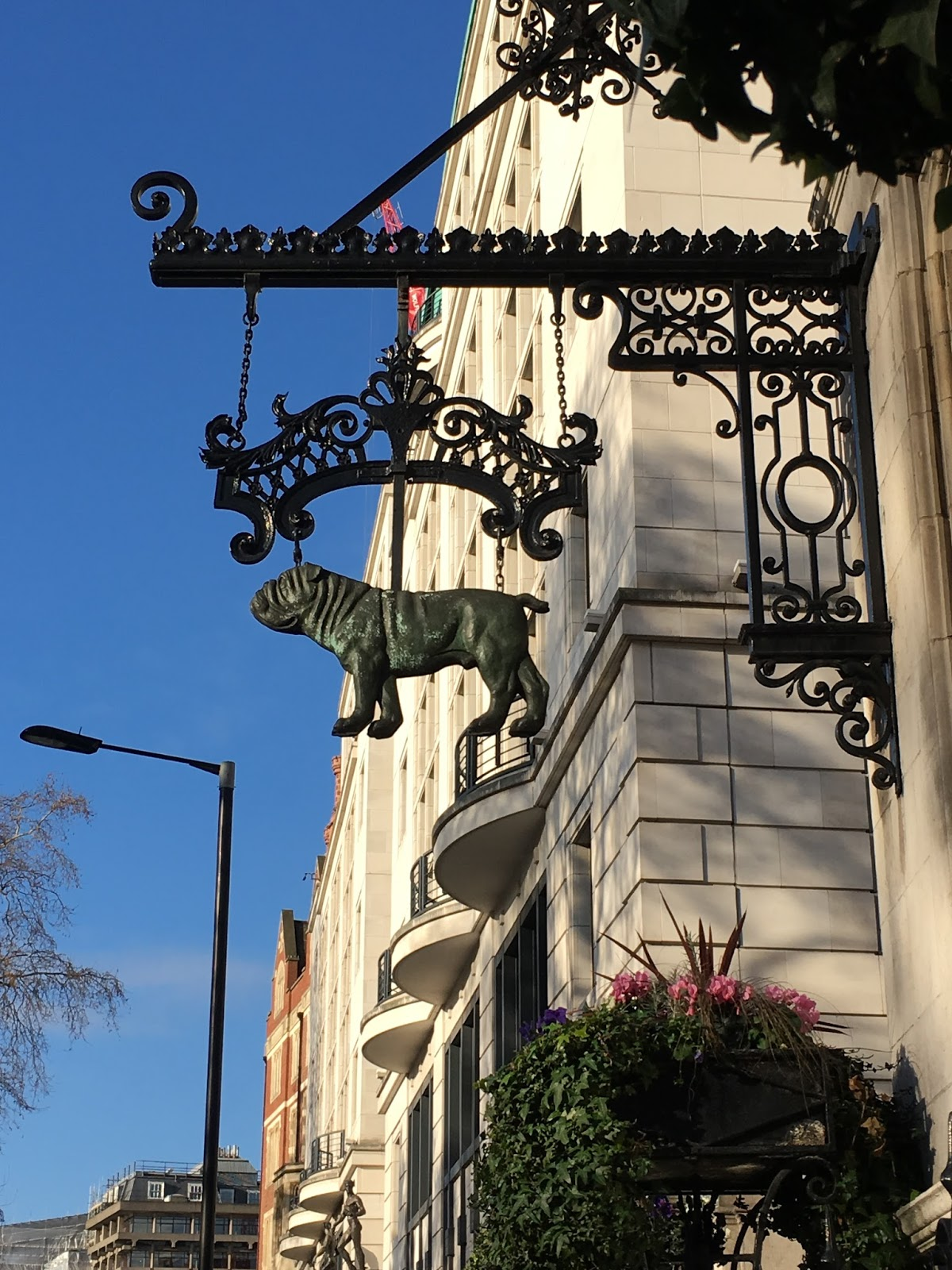 London Mops