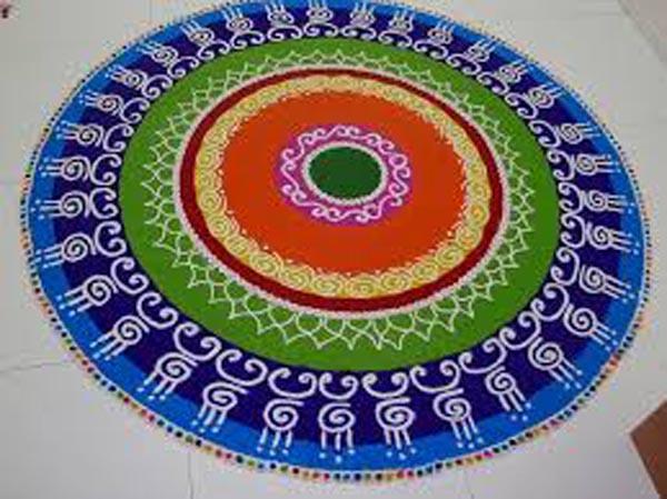 Amazing Round Shape Rangoli Designs For Fastivals Art