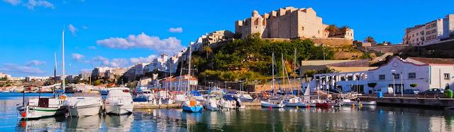 Panorámica de Mahón en Menorca, viajes y turismo
