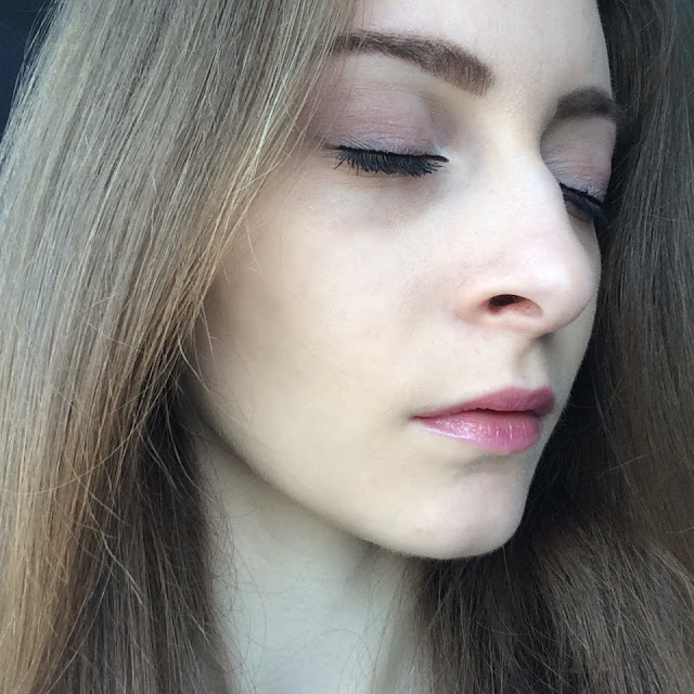 A makeup look using naked 3 palette from Urban Decay