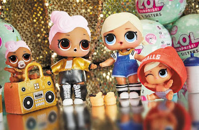 LOL Surprise Dolls and Lil Sisters match set
