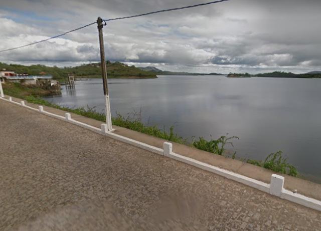 Boqueirão chega a 70% da capacidade e tem comportas abertas para levar água a outros açudes