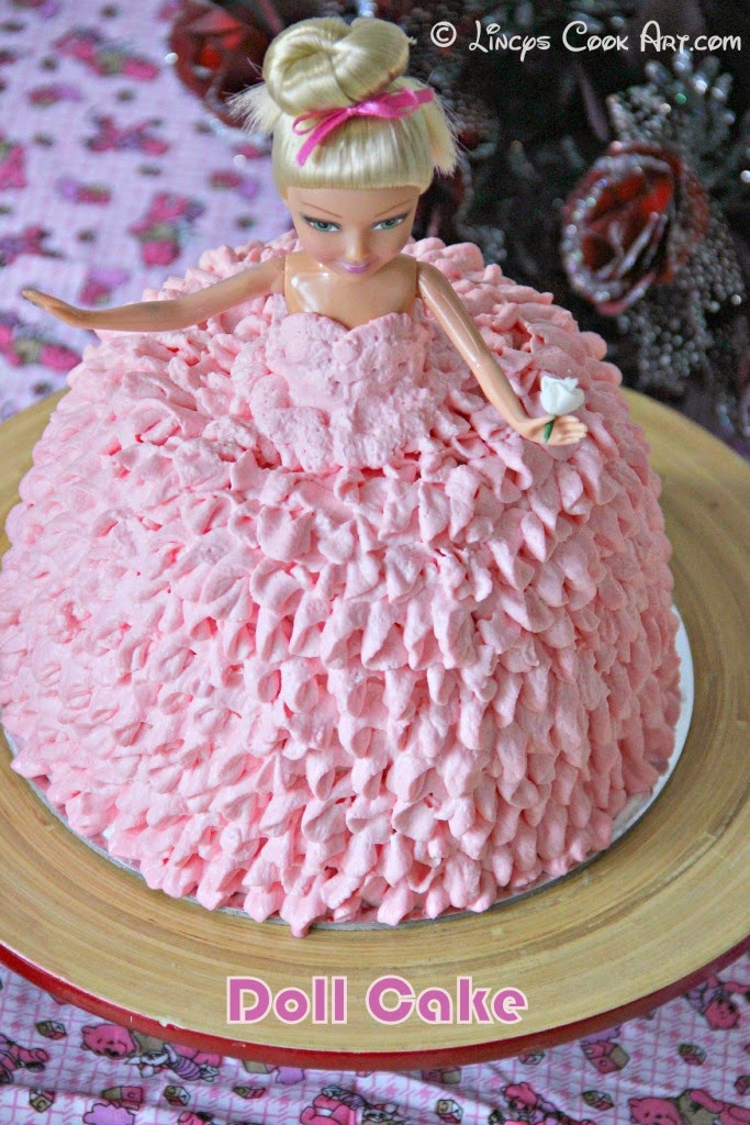 How To Decorate A Doll Cake With Fondant