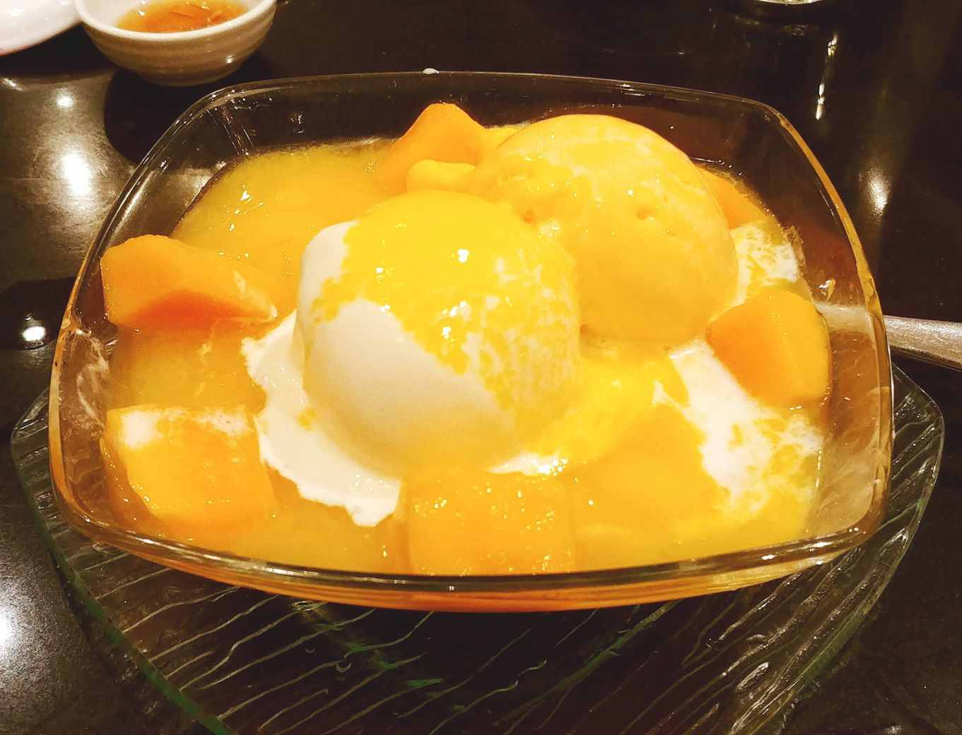 Lugang Cafe's Milked Custard with Mango