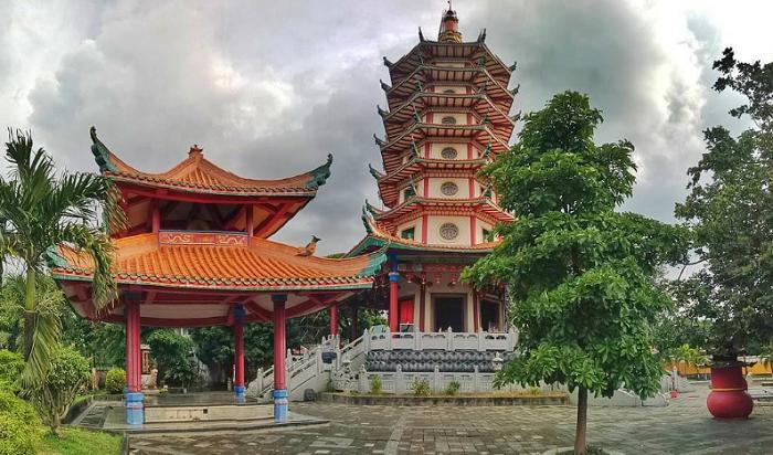 Wisata Pagoda Avalokitesvara