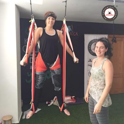 Que-es-Aero-Vinyasa-Conoce-la-Version-Dinamica-del-AeroYoga-aero-yoga-air-pilates-aerial-aerien-aereo-columpio-hamca-trapeze-swing-fly-flying-asthanga