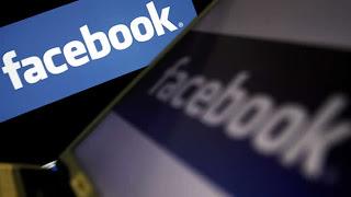 """El consejero delegado de Facebook, Mark Zuckerberg, no venderá acciones de la compañía en los próximos doce meses, reveló hoy la compañía en un documento presentado ante la Comisión del Mercado de Valores de EE.UU. (SEC), que coincide con la caída en picado de las acciones, . Zuckerberg """"no tiene intención de llevar a cabo ninguna transacción con nuestras acciones por al menos doce meses"""", indica el documento. Al cierre de la sesión de hoy en el neoyorquino mercado Nasdaq, los títulos de la firma que dirige Zuckerberg se dejaban un 1,82 % hasta los 17,73 dólares, la cifra de"""