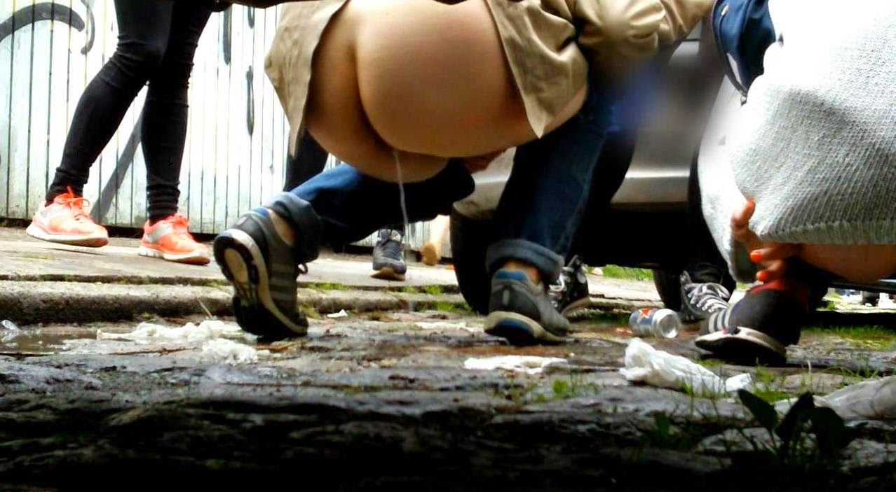 Man arrested for urinating in bushes can challenge indecency offence