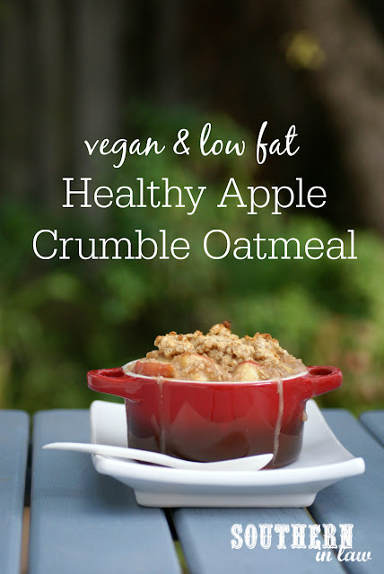 Healthy Apple Crumble Baked Oatmeal Recipe - low fat, gluten free, healthy, vegan, egg free, dairy free, clean eating friendly, sugar free breakfast recipes