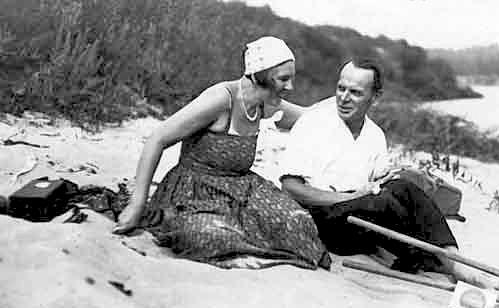 Константин Паустовский с женой Валерией Валишевской (Навашиной)