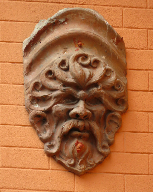 Decoration on an exterior wall, Viale Marconi, Livorno
