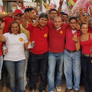 Adão Carneiro (2ºE) em caminhada com o ex-deputado estadual Valdinar Barros (2ºD)