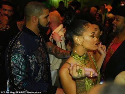 Rihanna unfollowed J.Lo