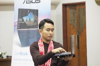 Mas Anjas menjelaskan tentang Asus ZenBook