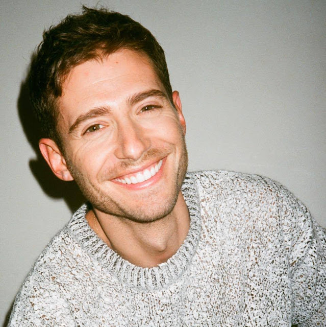 Julian Morris girlfriend, New Girl, movies and tv shows, pretty little liars, actor, age, wiki, biography