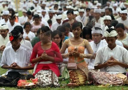Agama HINDU Sembahyang 2  Tri Sandhya