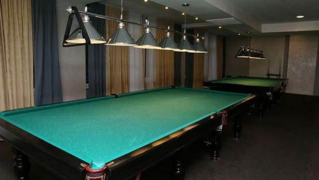Ruang tempat bermain biliard ForRestMix Rusia