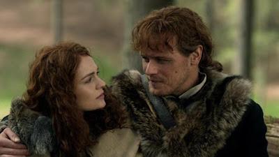 Jamie y Brianna salen a cazar abejas en el episodio 4x09 de Outlander