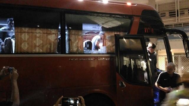 Bus Timnas Indonesia Dilempari Batu oleh Oknum Suporter Vietnam