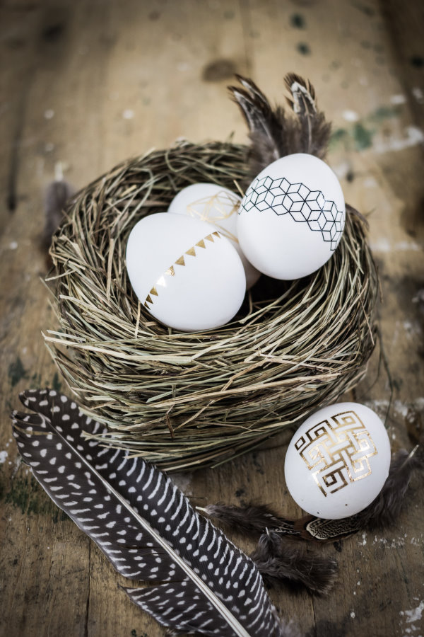 Basteln für Ostern: Geometrische Muster auf den Ostereiern