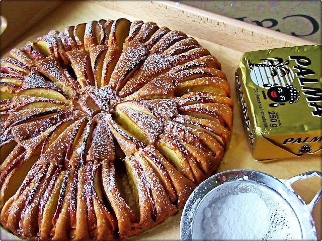 Szybkie i Efektowne Ciasto z Jabłkami