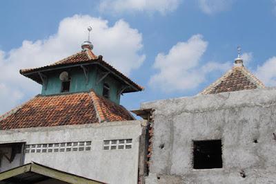 Pesona Masjid Menyanan Kampung Beteng Semarang