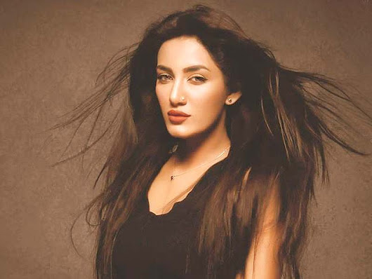 "'Meri Ankhoon Ka Yeh Kajal': Mathira in Item Song for Sahir Lodhi's ""Raasta"": Watch Video/Download MP3"