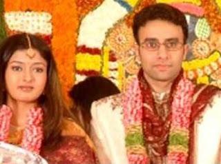 Gayathri Raguram Profile Biography Family Photos and Wiki and Biodata, Body Measurements, Age, Husband, Affairs and More...