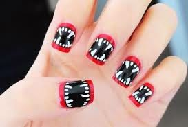 diseño de uñas Alien