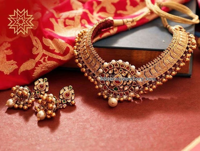 Antique Choker with Kundan Pendant Jhumkas