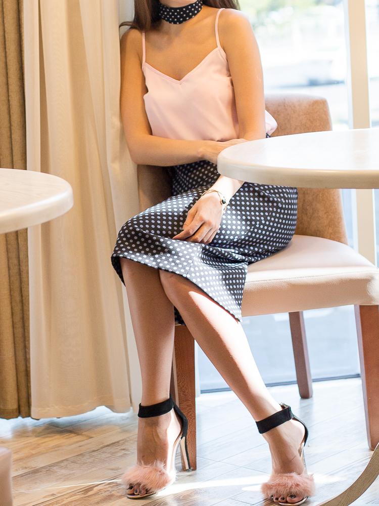diyorasnotes-diyora-khalilova-fashion-blogger-polkadot-skirt-choker